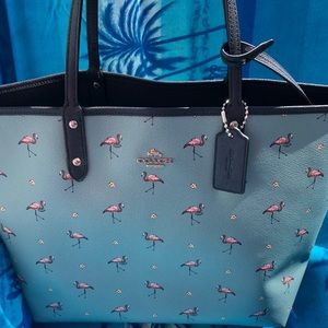 💕Coach Flamingo Reversible City Tote with Pouch💕